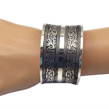Bohemian Tibetan Tribal Vintage Carving Flowers Wide Cuff Bangles for Women (Color: Silver)