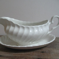 Johnson Brothers Gravy Boat Made in England White Earthenware Gravy Bowl with Underplate Cottage Decor