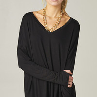 BLACK OVERSIZE TEE WITH THUMB HOLES