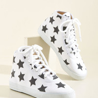 Everyday Energetic Sneaker in White Stars