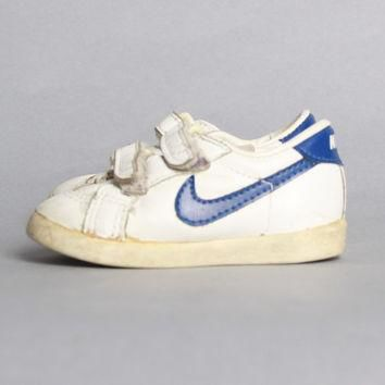 80s BABY NIKE SNEAKERS / 1985 Classic Leather Swoosh Baby Shoes, sz 4
