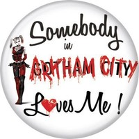 "Harley Quinn Somebody Loves Me - DC Comics - Pinback Button 1.25"" Bae-113"