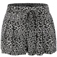 LE3NO Womens Lightweight Printed Summer Shorts with Pockets (CLEARANCE)