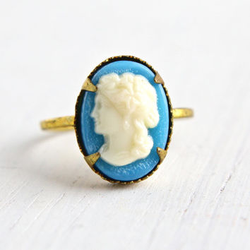Vintage Cameo Brass Czech Ring - 1930s Lucite Cameo Made in Czechoslovakia Size 3 1/4 Costume Jewelry / Off White on Baby Blue