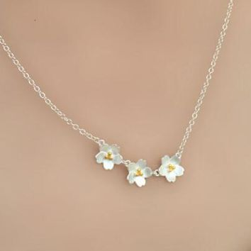 Oly2u 2018 New Fashion Cherry blossoms Flower Necklaces & Pendants For Women Classic Love Flowers Statement Necklace  SYXL054