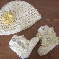 cute baby clothes, crochet ugg boots, baby girl hat and bootie set, baby shower gift, photo prop set