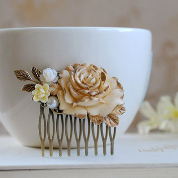 Large Cream Ivory Rose Hair Comb. Ivory Gold Rose Pearl Leaf Brown Daisy Flower Collage Hair Comb. Wedding Bridal Filigree Hair Comb