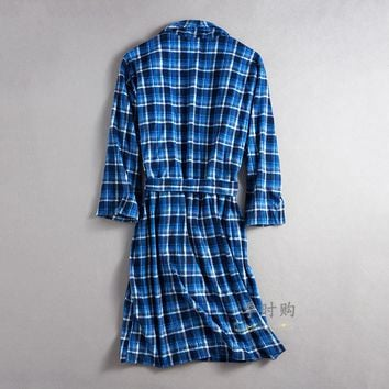 2017 New Nightgown Men autumn and winter long Robe Men design bathrobe plaid Men lounge robe