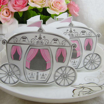 Wedding Invitation Paper Box Enchanted Carriage Candy Gift Box Wedding Souvenir Festive Supplies 100pcs/lot
