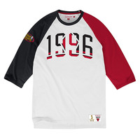 Mitchell & Ness Chicago Bulls NBA Celebration Year Raglan In White