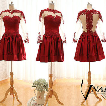 Mannequine On Red Short Prom Dresses