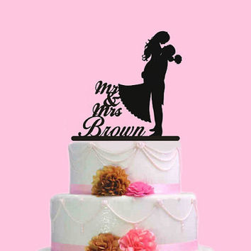 Bride and groom wedding cake topper,custom mr mrs last name cake topper, wedding cake topper,silhouette wedding cake toppers