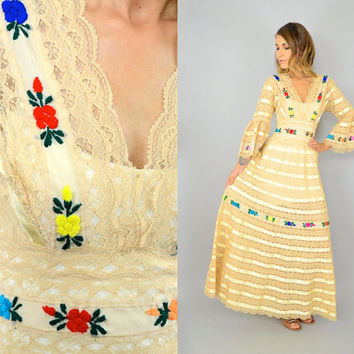 50's MEXICAN Embroidered Florals lace Ribbon satin hippie boho Bell Sleeve WEDDING DRESS, medium