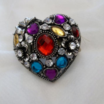 Large, Multi Stone, Heart Shaped Stretch Ring. Fits Most, Only Worn a Couple of Times