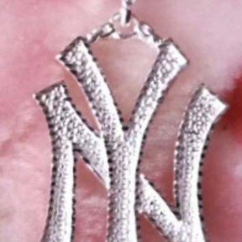 Cool Hip Hop New York City Solid .925 Anti Tarnish Sterling Silver Pendant