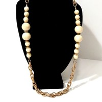 Chunky Rope Chain Necklace  Cream Marbleized Lucite Beads Graduated Sizes  Gold Tone Long Necklace  Gold Discs Vintage Statement Necklace
