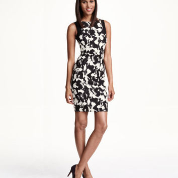 H&M Fitted Dress $27.99