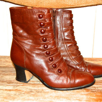 "Vintage Brown Leather Boots // Victorian Style Poppies // Ladies Size 10 // 2.5"" heel"