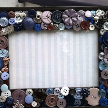 Handmade dog mosaic frame,  button mosaic, button art