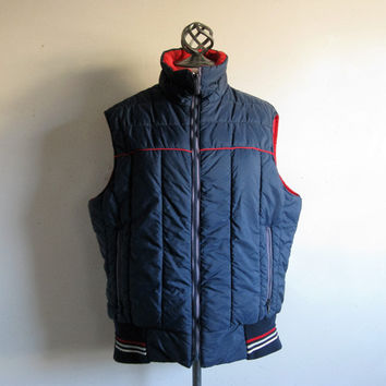 Vintage 1970s Mens Vest Woolrich Navy Blue Quilt Puffy Outdoor Top Vest Large