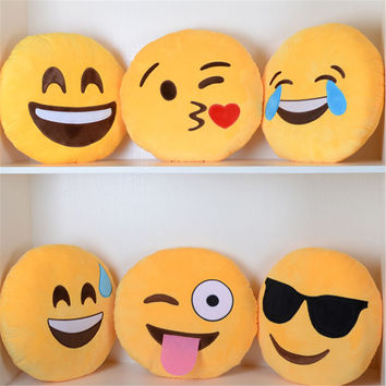 Hot Sale Emoji Cushion Smiley Face Expression Round Cushion home Pillow Stuffed Plush Soft Warm Toy Home Decorative Pillow