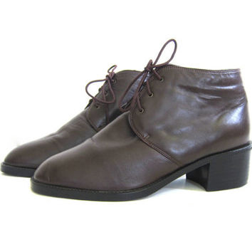 vintage chocolate brown leather ankle boots. leather booties. granny boots / women's size 9