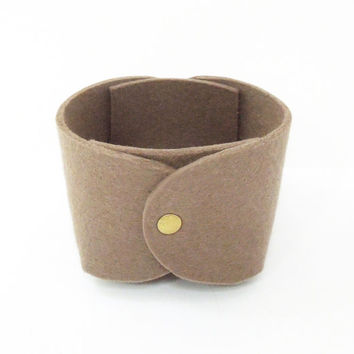 Brown wool felt storage bin organizer catch-all bowl basket - Wool felt bowl container - Father's Day gift - Housewarming gift