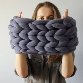 Super chunky infinite scarf. Cowl. Snood. Chunky scarf. Infinite scarf. Big yarn scarf. Merino wool