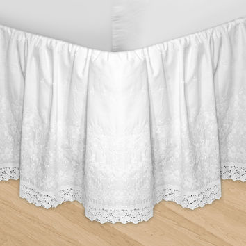Veratex Decorative Bedding Set Huys-Embroidery Huys Bed Ruffle C.King White