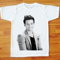 Louis Tomlinson T-Shirt One Direction T-Shirt 1D T-Shirt Short Sleeve T-Shirt Women T-Shirt Men T-Shirt Unisex T-Shirt White Shirt S,M,L,XL