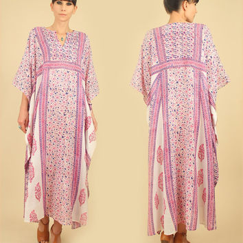 ViNtAgE 70's Indian Gauze Cotton Caftan // Bullocks Wilshire India Floral Maxi Dress // HiPPiE Festival BoHo Gypsy Free size s / m / l / xl