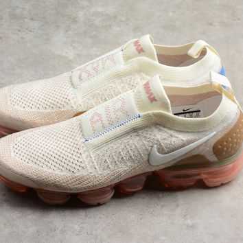 NIKE Women's Air Vapormax Flyknit Moc 2 Running Shoes