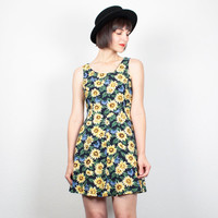 Vintage SUNFLOWER Dress 1990s Dress Mini Dress 90s Dress Soft Grunge Dress Lace Up Back Sunflowers Print Skater Sundress M Medium L Large