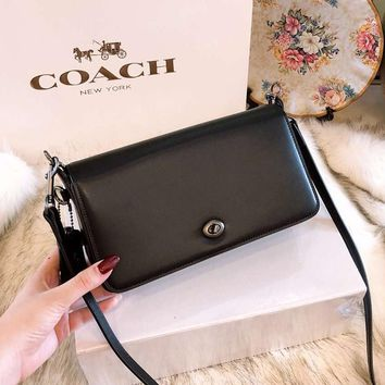 COACH 2018 new high quality wild solid color boutique tofu bag lock collar Messenger bag F-BCZ(CJZX)