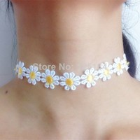 Daisy Chain Choker Necklace Bracelet Summer Festival 90s 1990s White Pink Yellow