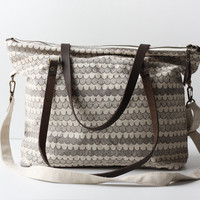 Hemp Zippered Tote - Little Scallops