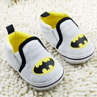 2016 Spring Autumn Batman Hero Baby Boys Fashion Sneakers Soft Infant bebe Toddler Shoes First Walkers Indoor Slippers