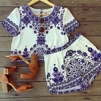 Women Vintage  Style Blue And White Porcelain Printed Top and Short Pants 2 Pieces Set = 1667720004