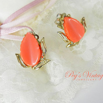 Orange Coral Thermoset Leaf Earrings/Gold Tone Clip On Earrings/ Mad Men, 1950s Jewelry