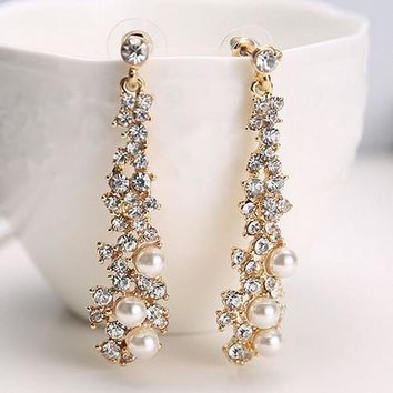 Women's fashion crystal Pearl Rhinestone Dangle Chandelier Earrings