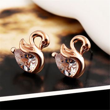 2016 High Quality Zircon Crystal Swan Earrings Unique Design Small Animal Metal