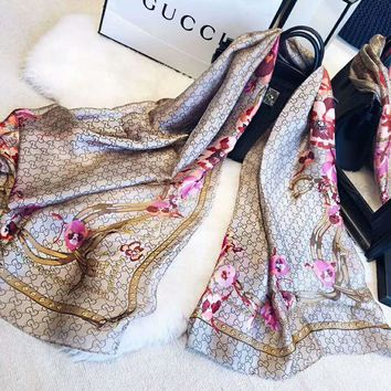 GUCCI Fashionable Women Sunscreen Cape Scarves Silk Scarf Accessories
