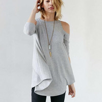 Cold Shoulder Loose Swing T-Shirt B0014260