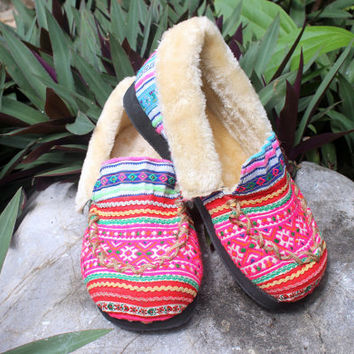 Moccasin Style Womens Slippers Ethnic Hmong Pink Striped Embroidery With Plush Lining Gift