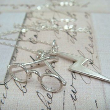 HARRY POTTER Glasses and Lightning Bolt Scar by charms4you
