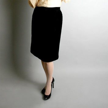 Vintage Pencil Skirt - Jet Black Soft Knee Length Vixen Small - Office Fashion