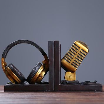 Vintage Microphone Model Bookends Ornamental Resin Headset Book Stands Handicraft Accessories for Cafe and Study Room Decoration