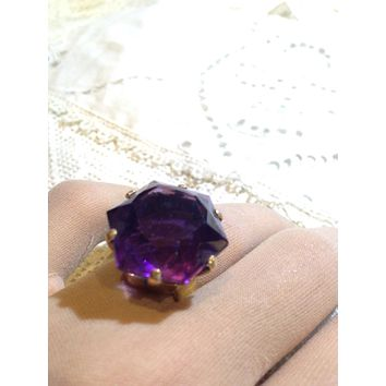 Vintage Tiffany and Co Genuine Amethyst stone 18k Gold ring