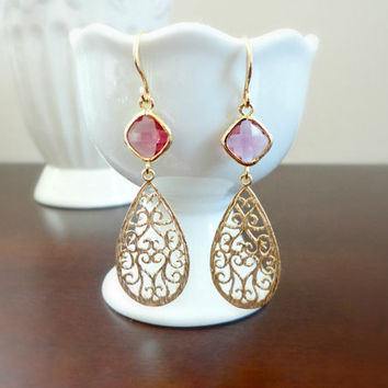 Ruby red glass and chandelier earrings, Teardrop filigree earrings, Wedding jewelry, Bridesmaid earrings, Simple everyday earrings