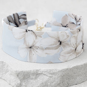 Morocco Light Blue Floral Print Choker